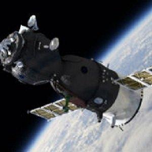 Przewód do zastosowań w przestrzeni kosmicznej odporny na promieniowanie
